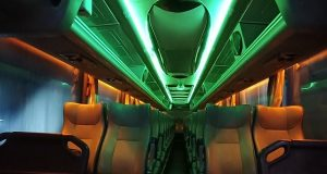 foto saungbus.com interior dan fasilitas bus pariwisata